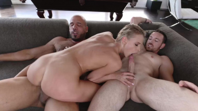 Tiny Emma Hix sucks & fucks at the same time her two guy friends dicks