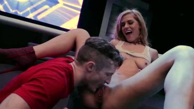 Aspen Rose twerking & fucking to win money contest in a night club