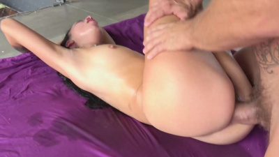 Matilde Ramos squirting while getting ass fucked