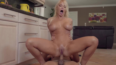 Milf London River gets a popsicle & stepson's dick inside her pussy