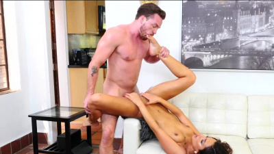 Jaye Summers goes down on her friend's brother