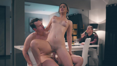 Desperate man uses time-freezing tech to have sex with Alina Lopez