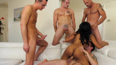 Jenna Foxx goes crazy with four white dudes