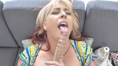 Super thick milf Jocyln Stone plays with dildo on camera