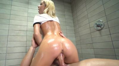 Kenzie Reeves goes wild with her man in the shower