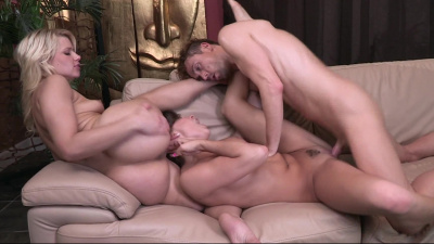 Anikka Albrite and Teal Conrad super hot three-way