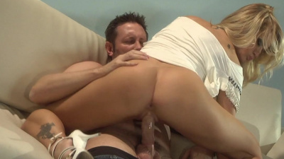 Busty Jessica Drake gives sloppy bj