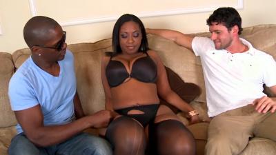 Ebony with giant ass Layla Monroe interracial threesome
