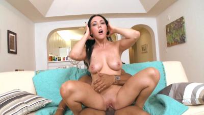 Size queen Megan Foxx takes massive black cock