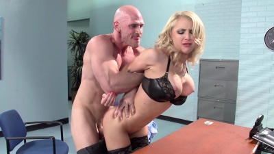 Boss Alix Lynx lures her employee to eat and fuck her in the office